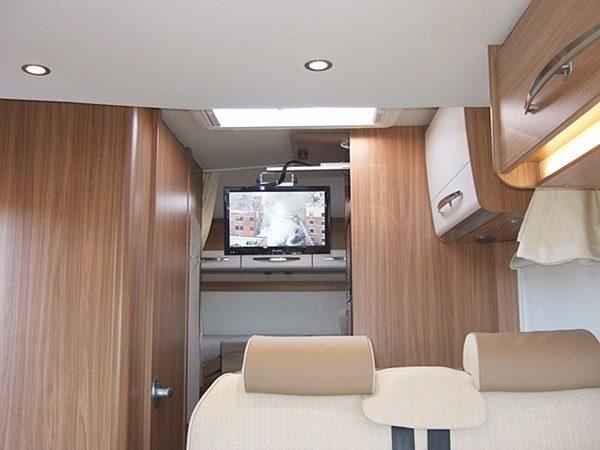 urlaub mit dem wohnmobil urlaub im 5 sterne ferienhaus. Black Bedroom Furniture Sets. Home Design Ideas